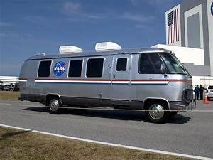 An Ode to The NASA Astrovan, Made by Airstream (she said ...