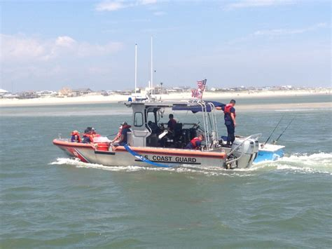 Tow Boat Us Oregon Inlet by Dvids Images Coast Guard Assists Five Boaters Near