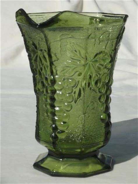vintage anchor hocking green glass grapes pattern pitcher
