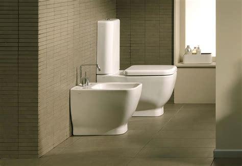 bidet toilette bidet toilette und dusche stockfoto bild betrieb