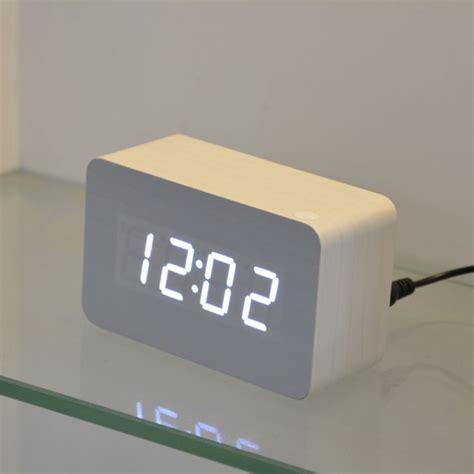 afficher horloge sur bureau les 25 meilleures idées de la catégorie horloge numérique
