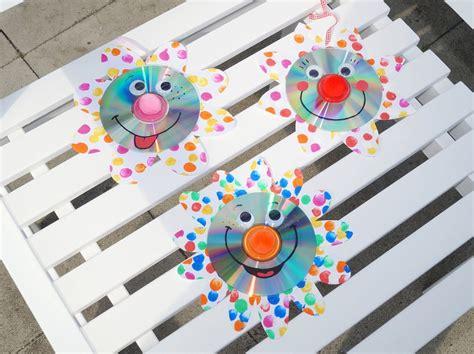 Frühlingsblumen Basteln Fürs Fenster by Wir Basteln F 252 R Karneval Clown Fensterbilder Redroselove