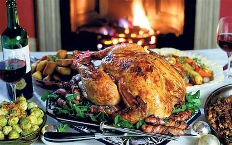 Traditionally, the british decorate it in three colors: How to cook the perfect Christmas turkey: roasting times ...