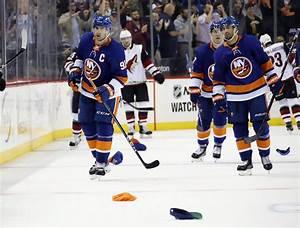 New York Islanders: John Tavares Is Breaking Out Of His ...