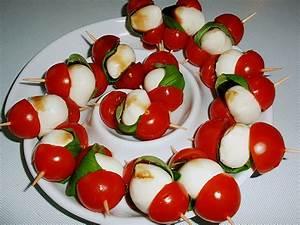 Tomate Mozzarella Spieße : mozzarella tomaten spie e rezept mit bild von ulkig ~ Lizthompson.info Haus und Dekorationen