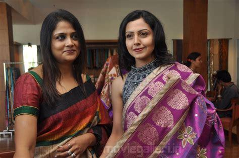 Gallery Boom South Hot Actress Neelam Gouhranii Pics
