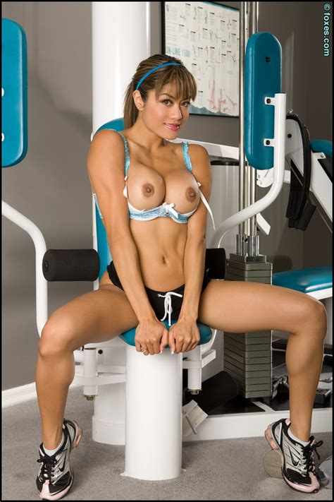 Jayd Lovely Gym Workout For Asian Brunette Babes And