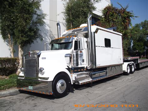 Luxury Sleepers For Big Rigs  Autos Post