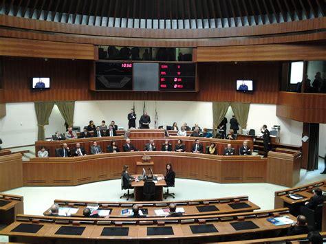 convocazione consiglio dei ministri fondi ai gruppi circa un mese per la sostituzione in