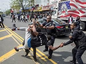 Bronx Street Fight 2016 – Black and White Street ...