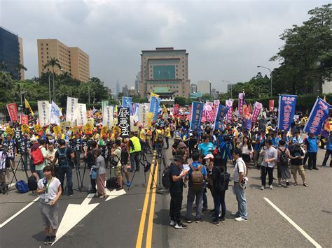 bloomy days gmbh 2018 international workers day protests in taiwan call