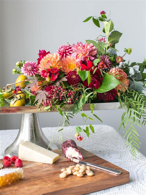 minute thanksgiving centerpieces hgtvs decorating