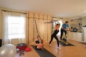 Fitnessstudio Zu Hause : heim fitnessstudio garage einrichten schlingentrainer wandhalterung ideen rund ums haus ~ Indierocktalk.com Haus und Dekorationen