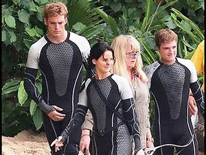 """Behind The Scenes Of The Hunger Games: """"Catching Fire ..."""
