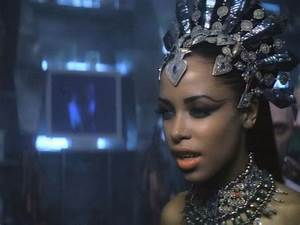 Aaliyah as Akasha, Queen of the Damned. | Famous Crowns ...