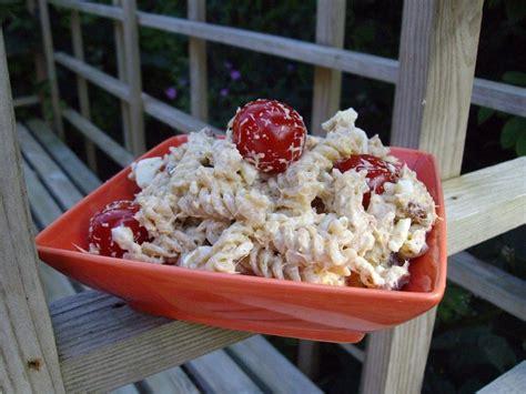 salade de pates thon oeufs pignons raisins etc quand est ce qu on mange