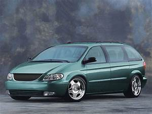 Chrysler Voyager - Pictures, posters, news and videos on ...