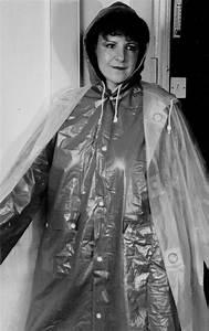 Verpackt In Latex : mit cape und mantel gut verpackt capes pvc vinyl pinterest mantel regenmantel et regenjacke ~ Watch28wear.com Haus und Dekorationen
