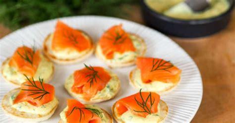 cuisine langouste toasts de saumon fumé sauce à l aneth recette par my