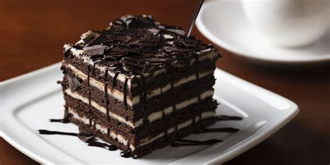 I never have to wait long for the waiter to come and take our order and no matter who they are. Olive Garden Created A New Chocolate Brownie Lasagna - Desserts At Olive Garden