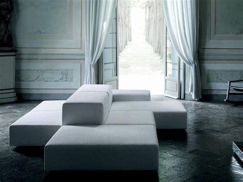 Divano Pallet Piero Lissoni : Extrawall Modular Seating System By Piero Lissoni For