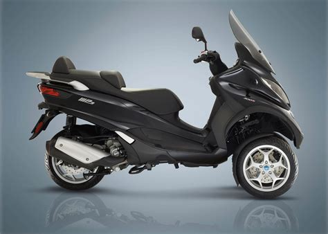 Review Piaggio Mp3 Business 2018 piaggio mp3 500 business lt abs asr review total