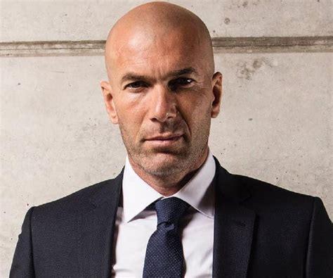 Последние твиты от zinedine zidane (@officialzzidane). Zinedine Zidane Biography - Childhood, Life Achievements & Timeline