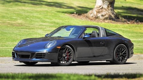 Porch Gts by Porsche 911 Targa 4 Gts Review Fast And Surprisingly