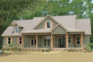 Farmhouse style house plan 4 beds 3 baths 2565 sq ft for Farmhouse style house plans