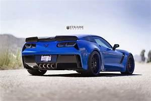 Laguna Blue Corvette Z06 C7 Has Never Looked Better