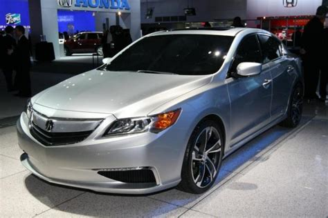 2013 acura ilx first look video 2012 detroit auto show