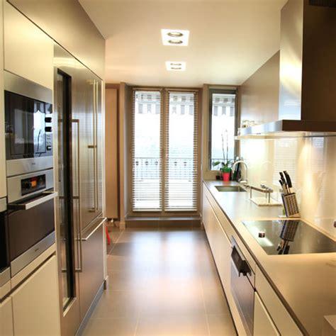 cuisine hardy inside une cuisine couloir très design inspiration cuisine