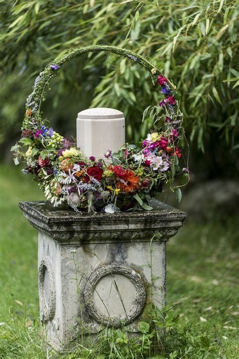 blumenschmuck im trauerfall kaktus floraldesigns webseite