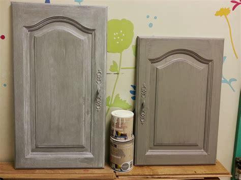 comment peindre une cuisine cuisine peinture sur meuble repeindre portes cuisine