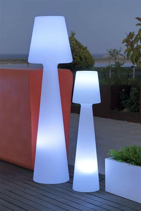 bureau boule lampadaire exterieur design 42 idées lumineuses