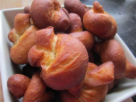 cuisine 4 mains pâte à chou beignet en nœud saveurs d 39 ici à mbuji mayi