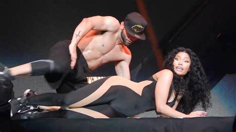 Drake And Nicki Minaj Get Freaky On Stage Youtube