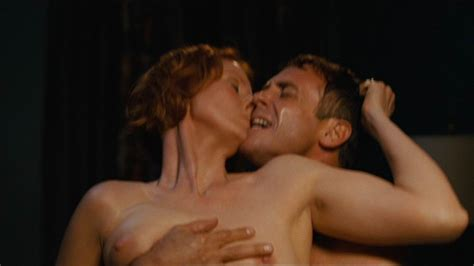 Naked Cynthia Nixon in Sex and the City The Movie