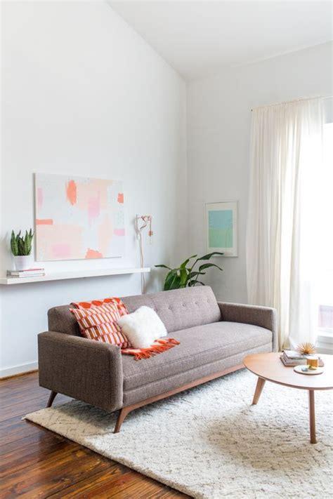 decoração de sala pequena sofá marrom escuro 25 ideias para decora 231 227 o sof 225 marrom ou sof 225 bege