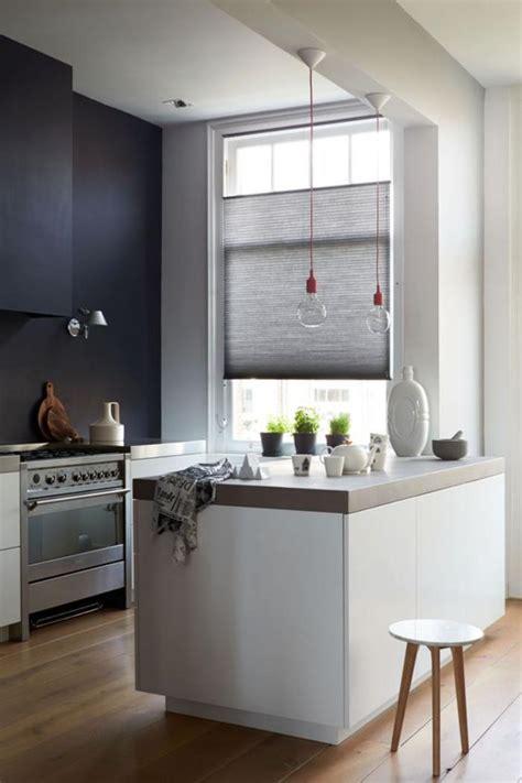 carrelage cuisine restaurant cuisine avec sol noir la cuisine avec ilot bien structure