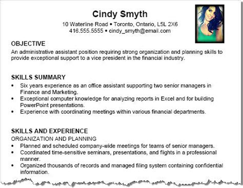 should i put a photo in my resume resume writing tips
