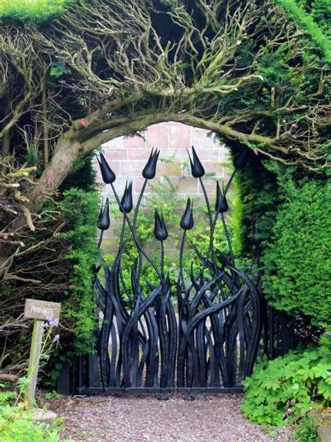 majestic metal garden gates      wow