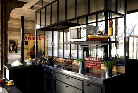 cuisine style loft réalisation de ferronnerie et trappe de sol vitree
