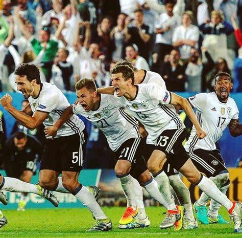 See more ideas about german national team, germany football, soccer players. Deutscher Fussball Bund / DFB-Team / Die Mannschaft / Vive ...