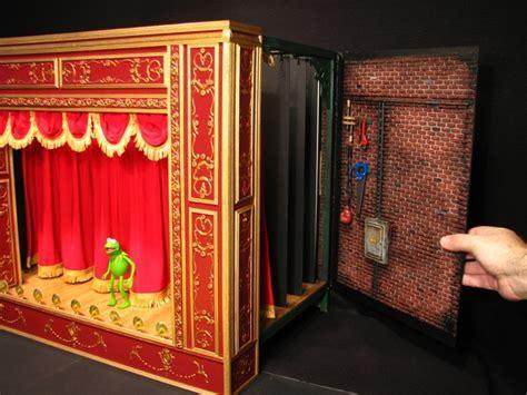 Muppet Theatre Backstage Playset   Duck Duck Gray Duck
