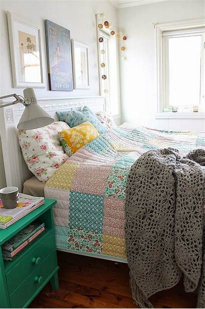 Granny Chic Bedroom Bed Decor Di Quilt