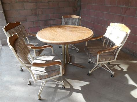 Table Chairs Kitchen Dinette Round Wood Swivel Upholstered