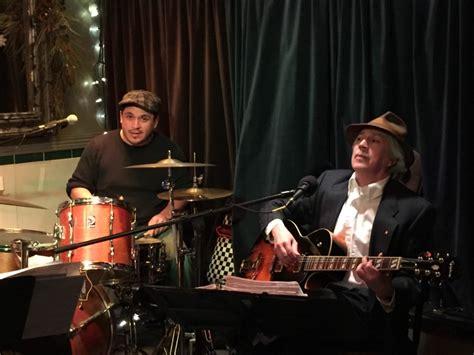 Hire Bossa Tres - Bossa Nova Band in Toronto, Ontario