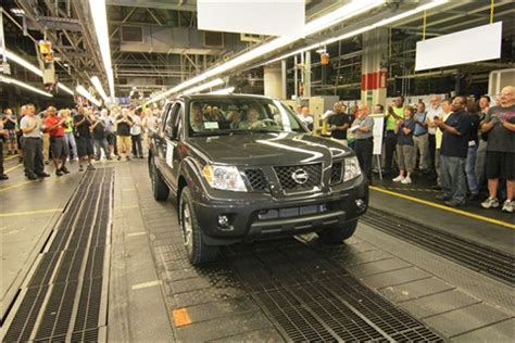nissan shifts frontier  xterra production  canton