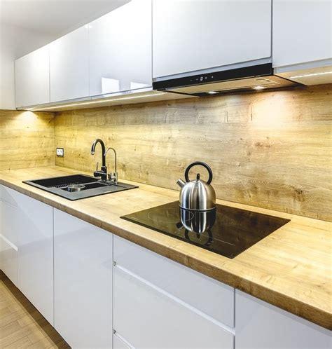 cuisine plan travail bois plan de travail cuisine 50 idées de matériaux et couleurs